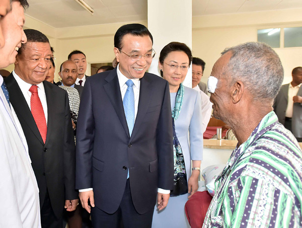 "Chinese Premier Li Keqiang visited Ethiopian patients treated by China's ""Bright Journey"" program on Tuesday."