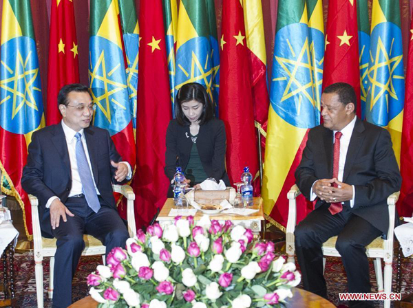Chinese Premier Li Keqiang (L) meets with Ethiopian President Mulatu Teshome (R) in Addis Ababa, Ethiopia, May 6, 2014. (Xinhua/Wang Ye)