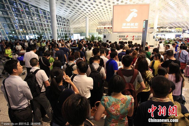 深圳机场大面积航班延误