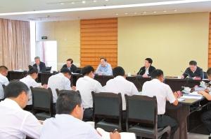 5月18日至19日,武定县委常委班子召开党的群众路线教育实践活动专题民主生活会。记者 顾彬 摄