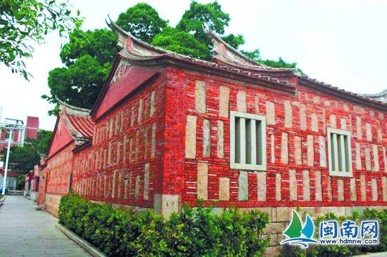 出砖入石的红砖建筑