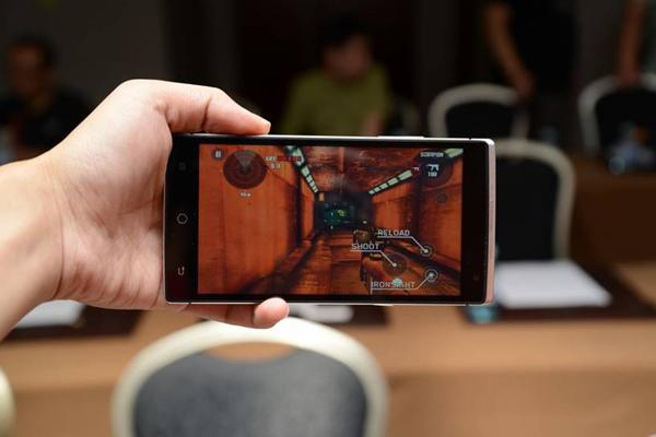 The world's first holographic smart phone was released on Thursday in Beijing, by a Chinese company Takee Technology.