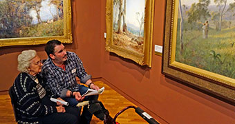An initiative by an Australian art gallery is helping Alzheimer