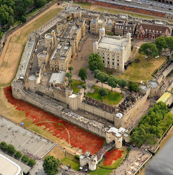 The famous Tower of London was draped in hundreds of thousands of ceramic poppies, creating a river and waterfall effect.