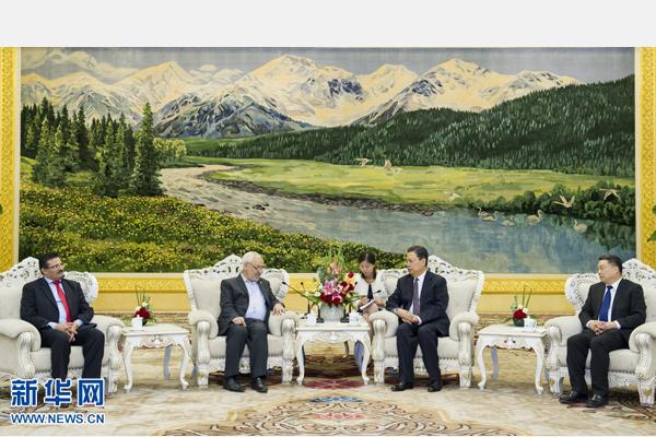 9月17日,中共中央政治局委员、中组部部长赵乐际在北京会见拉希德·加努希主席率领的突尼斯复兴运动代表团。记者 王晔 摄