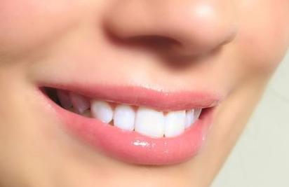 牙齿发黄有哪些原因? 1.缺钙