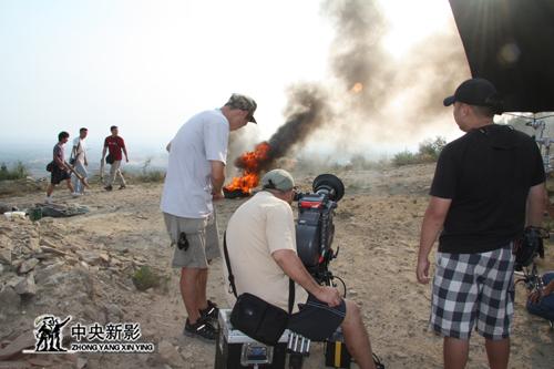 《决战太原》摄制组再现狼烟拍摄现场