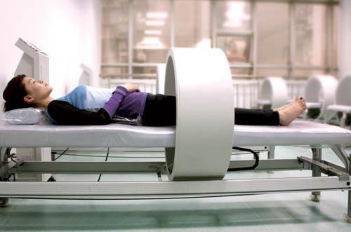 武警总医院脊柱外科的住院医师尹进表示,磁疗能够包治百病,不用吃药的说法肯定是不科学的。