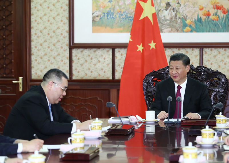 12月15日,国家主席习近平在中南海会见来京述职的澳门特别行政区行政长官崔世安。
