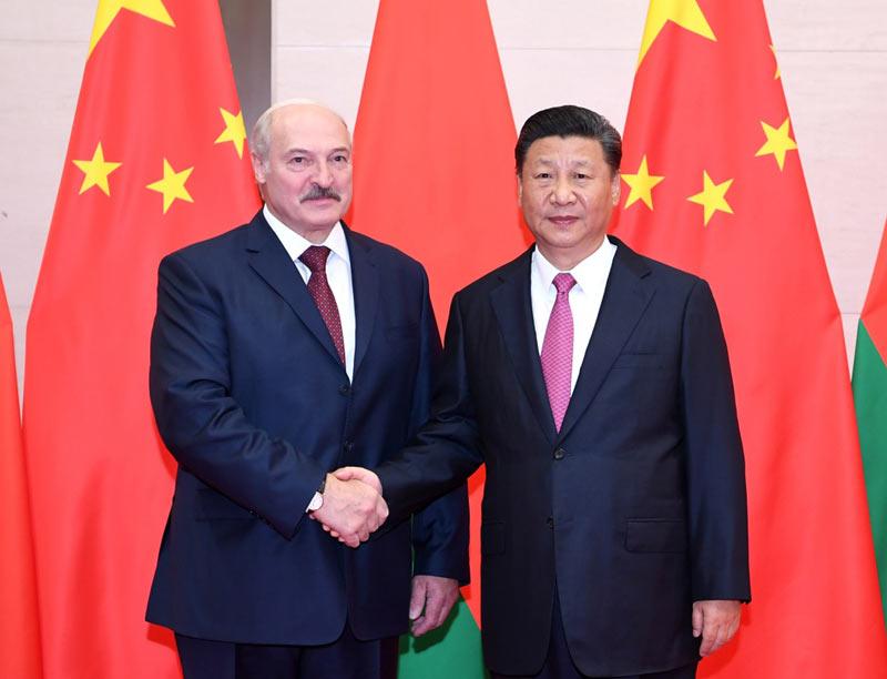 6月10日,国家主席习近平在青岛会见白俄罗斯总统卢卡申科。