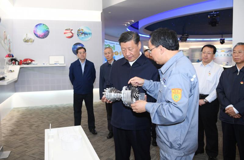 6月12日至14日,中共中央总书记、国家主席、中央军委主席习近平在山东考察。这是13日上午,习近平在万华烟台工业园听取企业情况介绍。