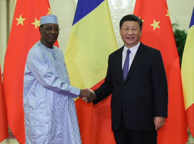 9月5日,国家主席习近平在北京人民大会堂会见乍得总统代比。新华社记者 丁林 摄