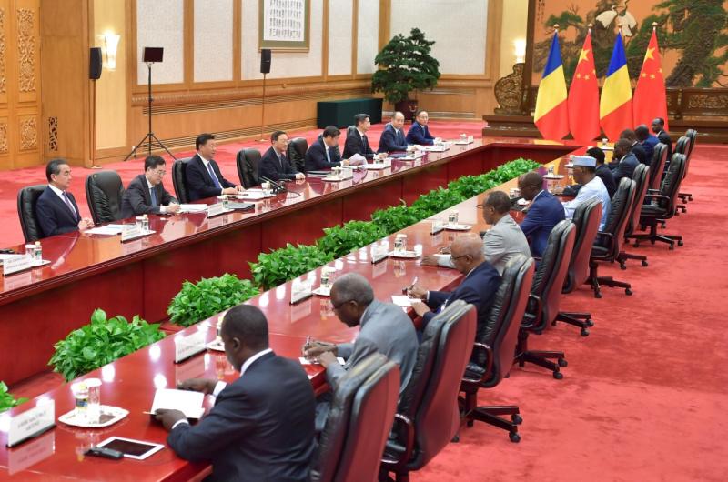 9月5日,国家主席习近平在北京人民大会堂会见乍得总统代比。新华社记者 李涛 摄