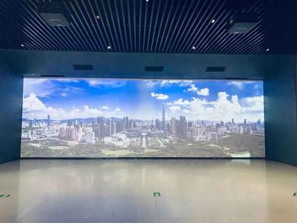 """10月24日上午,习近平就是在这个展厅做出了""""中国改革开放不停步""""的新宣示"""