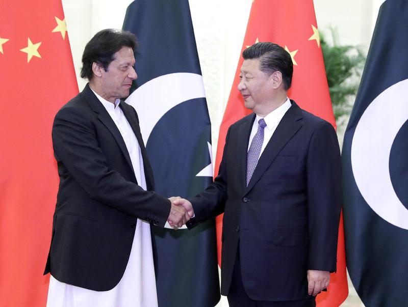 11月2日,国家主席习近平在北京人民大会堂会见巴基斯坦总理伊姆兰·汗。新华社记者 丁林 摄