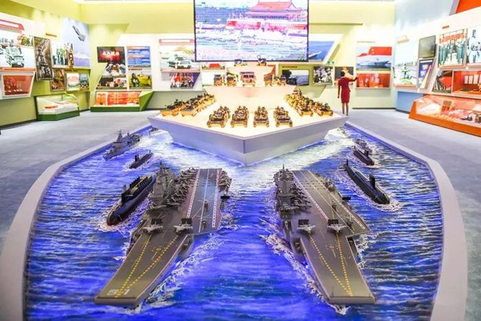 包括航空母舰在内的军事装备体系。
