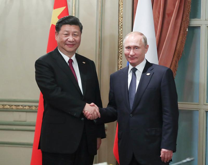 当地时间11月30日,国家主席习近平在布宜诺斯艾利斯会见俄罗斯总统普京。新华社记者 谢环驰 摄