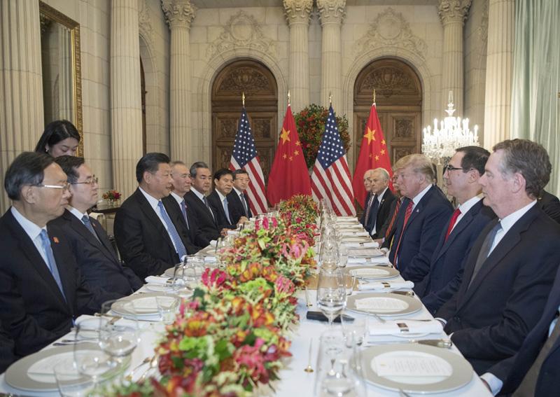 当地时间12月1日,国家主席习近平应邀同美国总统特朗普在阿根廷布宜诺斯艾利斯共进晚餐,举行会晤。新华社记者 李学仁 摄