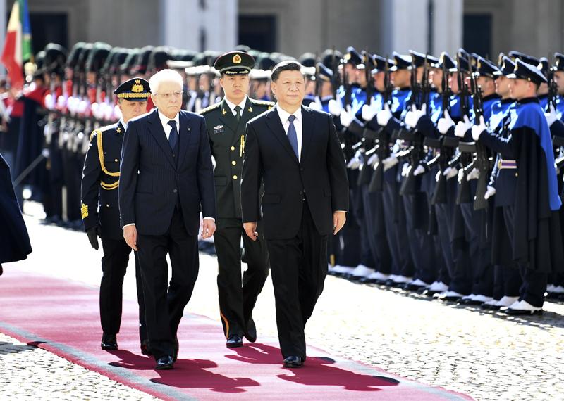 3月22日,国家主席习近平在罗马同意大利总统马塔雷拉举行会谈。会谈前,马塔雷拉总统为习近平举行隆重欢迎仪式。
