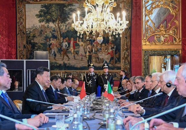 3月22日,国家主席习近平在罗马同意大利总统马塔雷拉举行会谈。(新华社记者谢环驰摄)