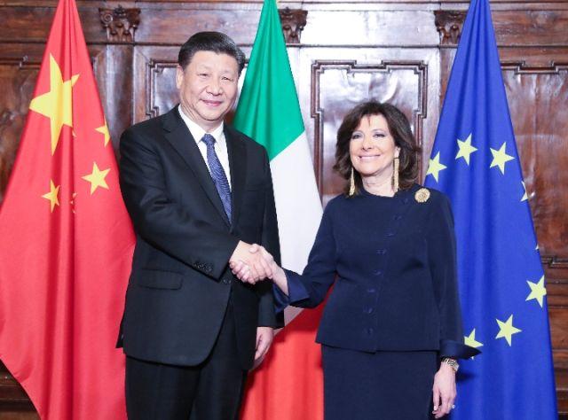 3月22日,国家主席习近平在罗马会见意大利参议长卡塞拉蒂。(新华社记者姚大伟摄)