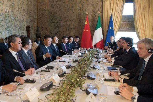 3月23日,国家主席习近平在罗马同意大利总理孔特会谈。(新华社记者李学仁摄)