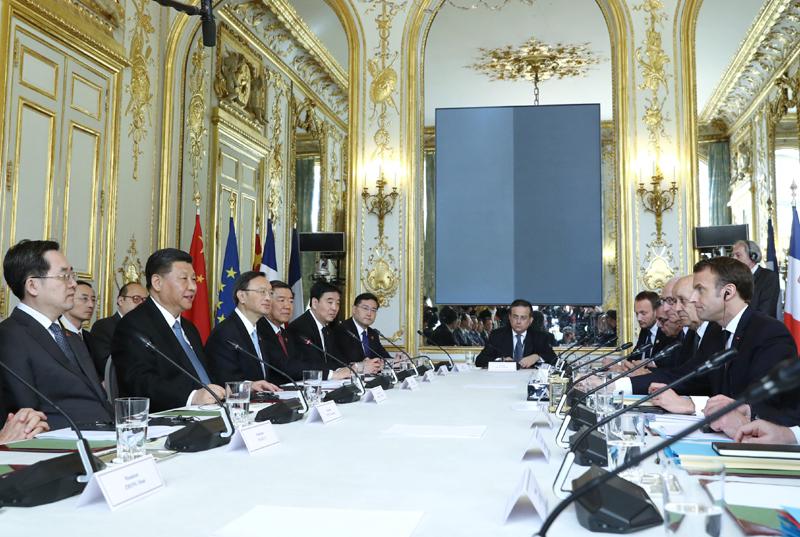 3月25日,国家主席习近平在巴黎爱丽舍宫同法国总统马克龙会谈。