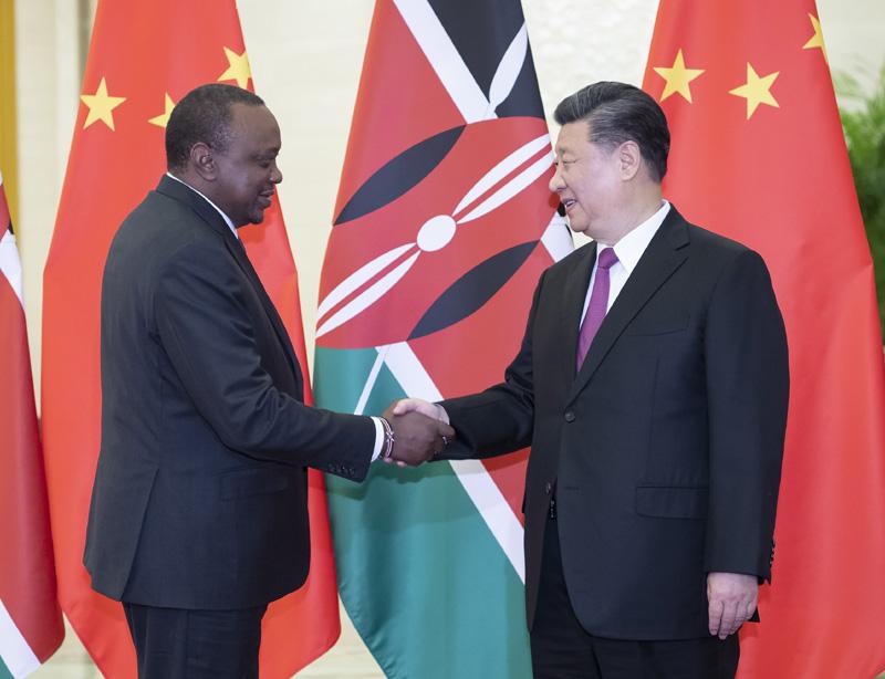 4月25日,国家主席习近平在北京人民大会堂会见肯尼亚总统肯雅塔。