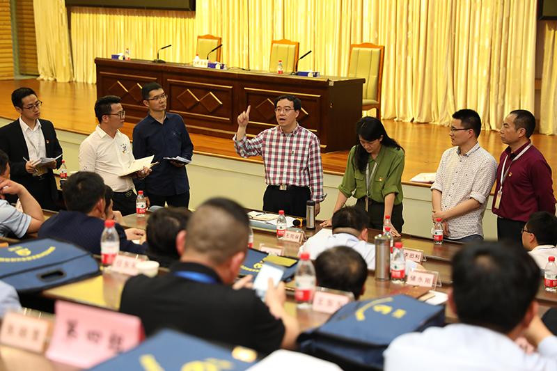 中组部党员教育中心有关负责同志对班委提具体要求