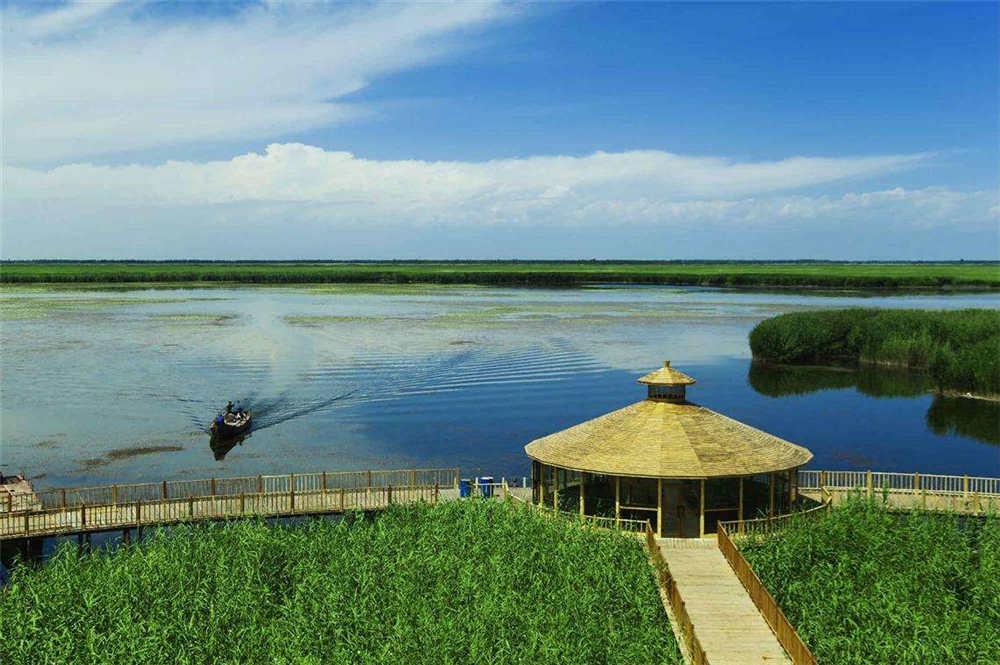 罗湖泊民俗风景区