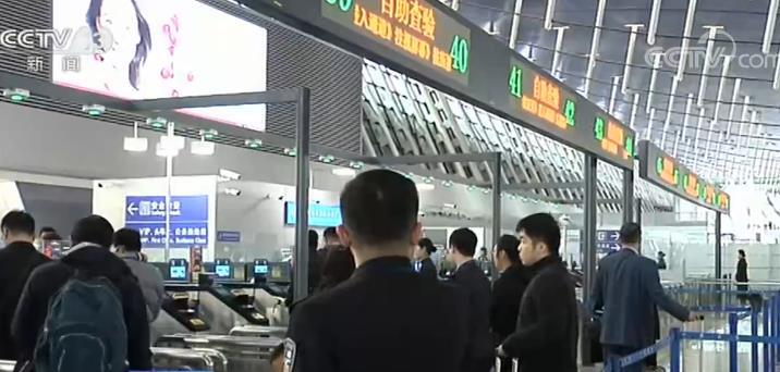 """2019年中国民航新增近万公里航路航线里程 229个机场实现""""无纸化""""出行"""