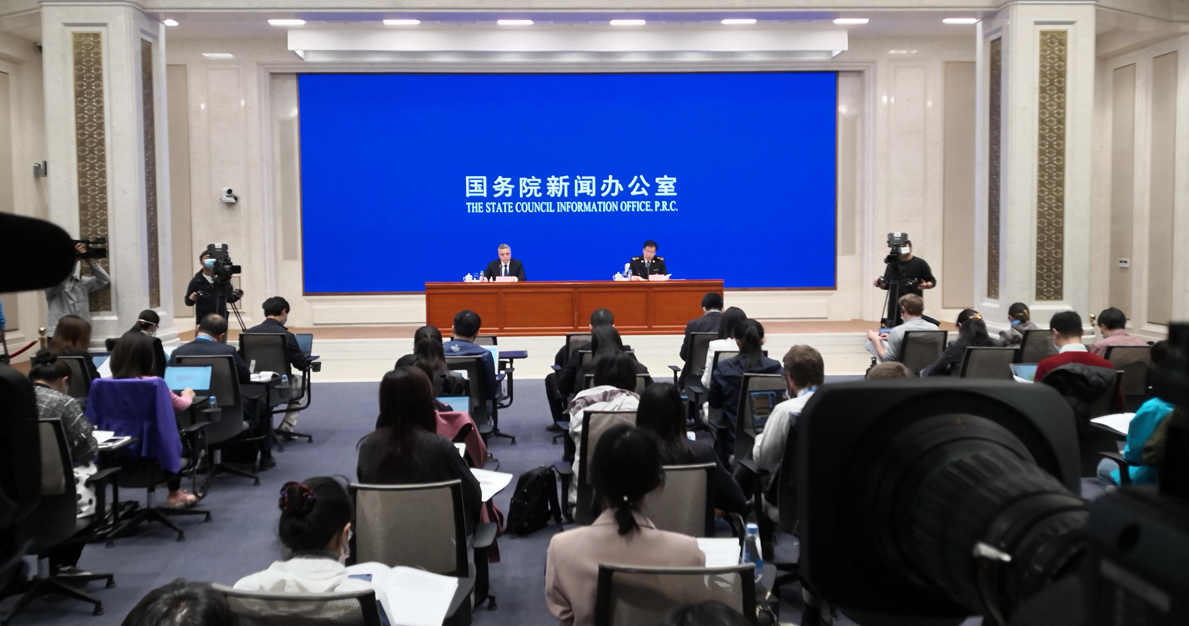 海关统计:一季度中国进出口总值同比降6.4%
