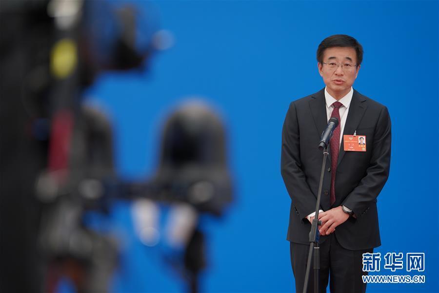 (新华全媒头条·两会特别报道·图文互动)(4)砥砺前行 使命必达——从全国两会看中国信心