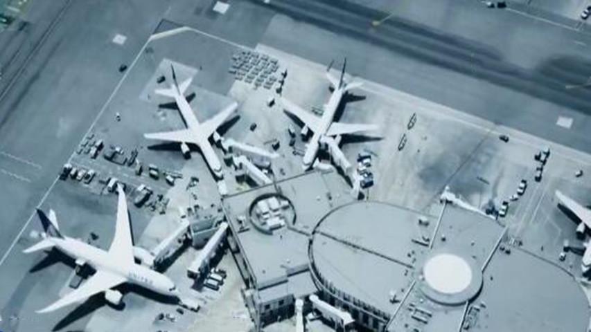美国解除最高级别旅行安全警告 但本国公民面临多国旅行限制