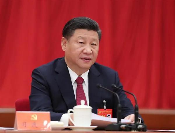 2017年10月25日,中国共产党第十九届中央委员会第一次全体会议在北京人民大会堂举行,习近平总书记主持会议并作重要讲话。 新华社记者 刘卫兵/摄