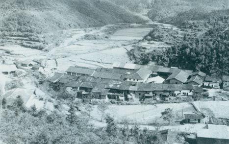 1929年3月14日,毛泽东同朱德指挥红四军进攻长岭寨,歼敌两千余人,击毙敌旅长郭凤鸣,乘胜占领长汀城。图为长岭寨。