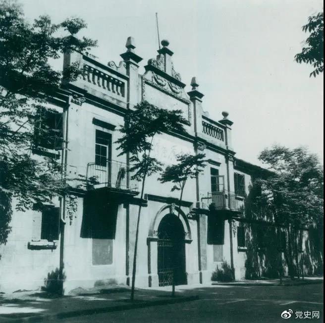 1927年4月27日,中国共产党第五次全国代表大会在武汉召开。图为大会举行开幕式的地方。