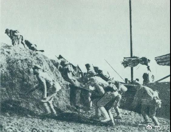 1949年5月23日,人民解放军向上海国民党政府军队发起总攻,占领了黄浦江堤。