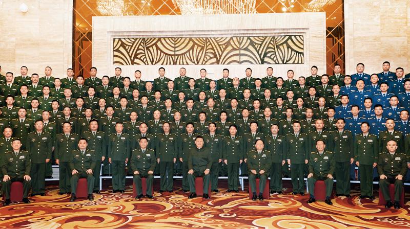 2021年7月21日至23日,中共中央总书记、国家主席、中央军委主席习近平来到西藏,:匚鞑睾推浇夥70周年,看望慰问西藏各族干部群众。这是23日上午,习近平在拉萨亲切接见驻西藏部队官兵代表,向驻西藏部队全体指战员致以诚挚的问候,对驻西藏部队作出的突出贡献给予充分肯定。 新华社记者 李刚/摄