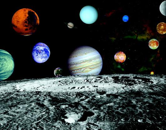 旅行者拍摄的行星和木星的四个卫星(合成照片)