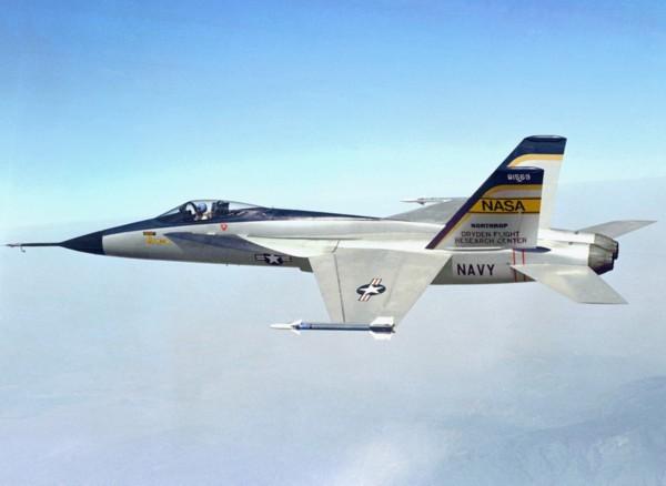 转身��.����9m��b�9�yf���_高清:yf-17到f-18 竞标失败后起死回生的战机方案