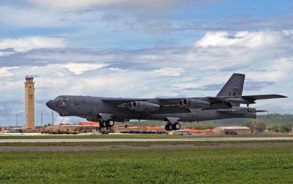 高清:外媒曝进入中国识别区b-52来自关岛基地