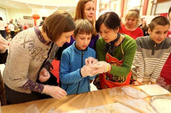 幼儿园包饺子活动展板图片