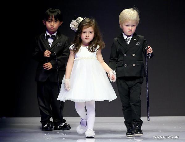 Diseños nupciales y ropa para niños triunfan en la Semana de la Moda ...