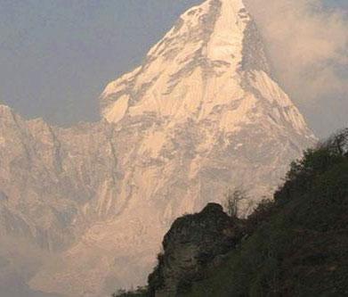 阿姆藏布朗山