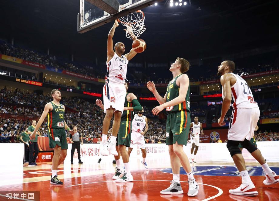 [图]富尼耶24分 法国险胜立陶宛晋级八强