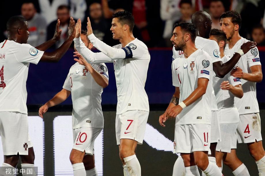 [图]C罗进球 曼城大将传射 葡萄牙4-2夺首胜
