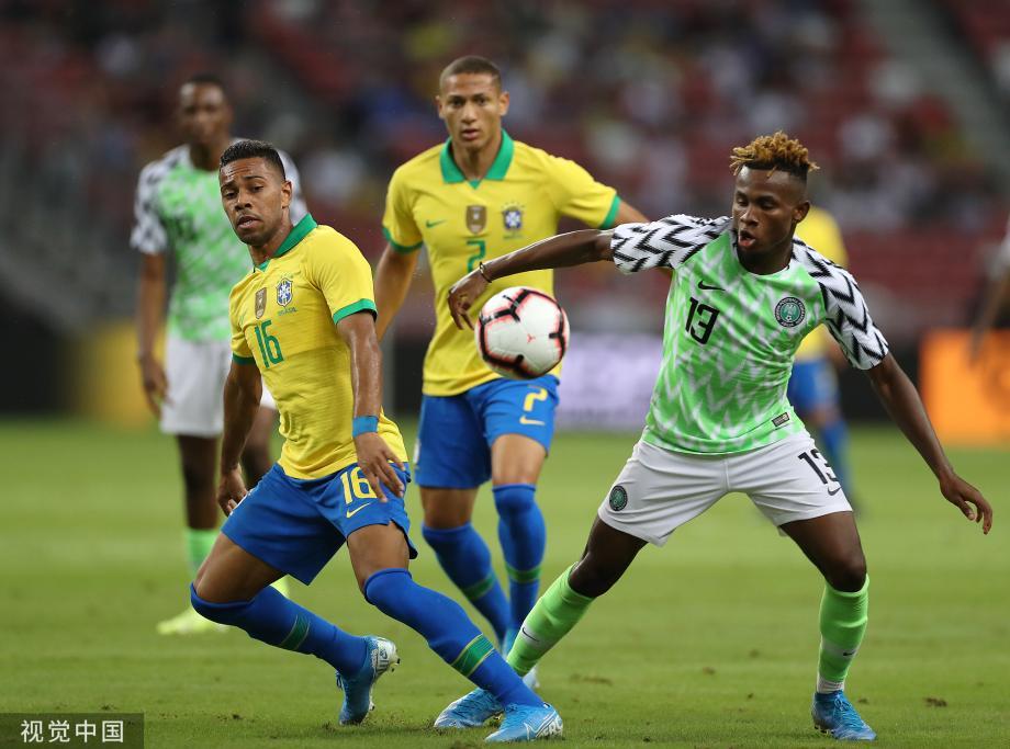 [图]热身-内马尔12分钟伤退 巴西1-1四场热身不胜