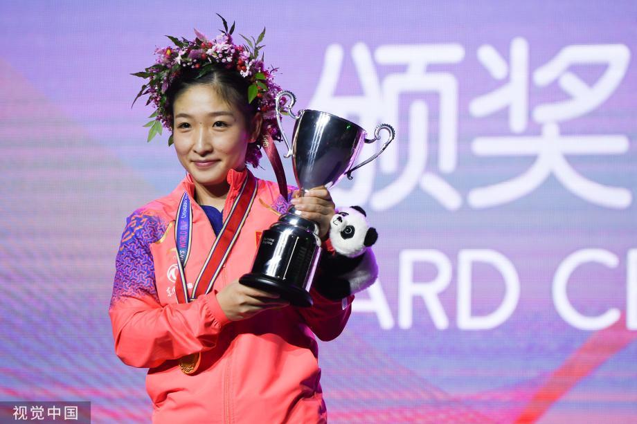 [图]女乒世界杯决赛:刘诗雯4-2朱雨玲夺冠