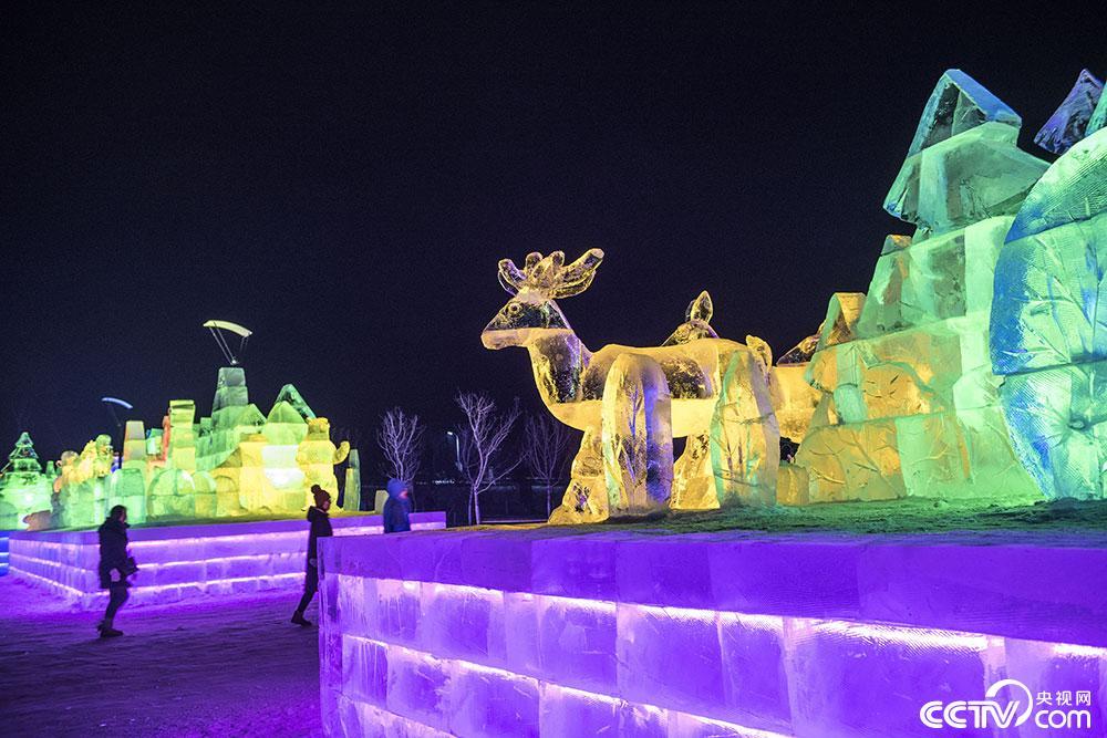內蒙古牙克石冰雕美景如童話世界